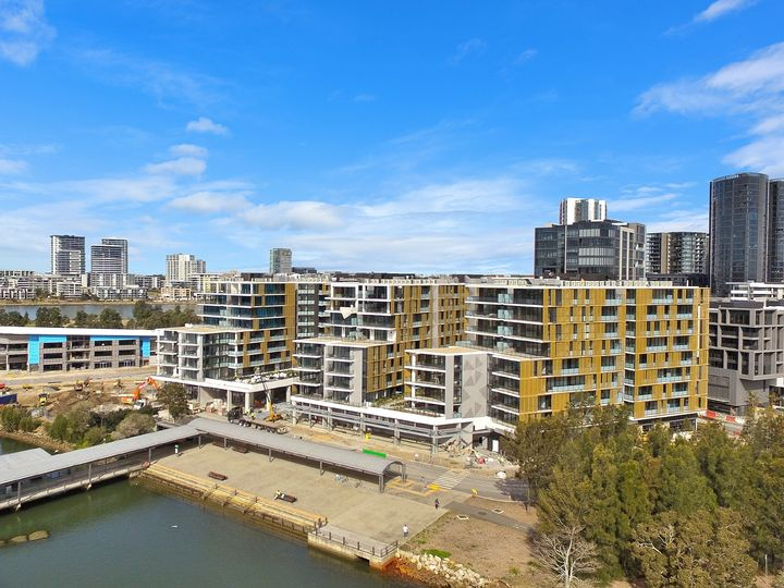 445/1 Burroway Road, Wentworth Point, NSW