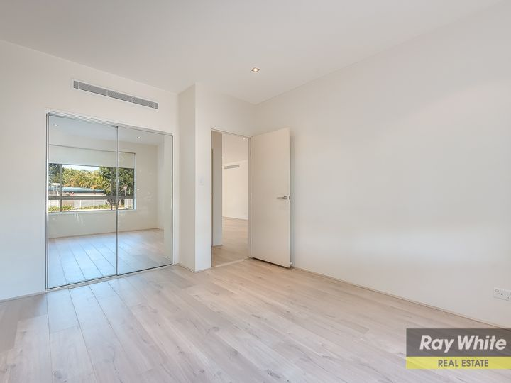 317/3 Pendraat Parade, Hope Island, QLD