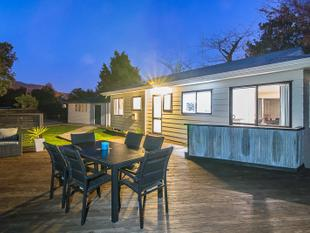 A STYLISH & PRIVATE OASIS - Paraparaumu