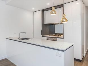 Brand New Luxury Apartment on the Crown of Canterbury Road - Surrey Hills