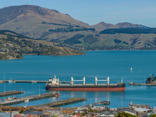Land In Lyttelton's Dress Circle - Lyttelton