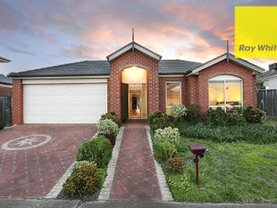 Grand Scale, Top Location! (Land: 665m2 approx.) - Point Cook