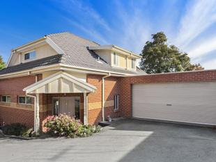 Beautiful Double Storey Home in Location of Convenience - Burwood
