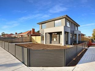 BRAND NEW TOWNHOUSE WITH CITY VIEWS! - Glenroy
