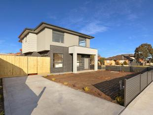 BRAND NEW EXECUTIVE TOWNHOUSE! - Glenroy