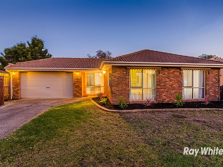 8 Filbert Court, Cranbourne North, VIC