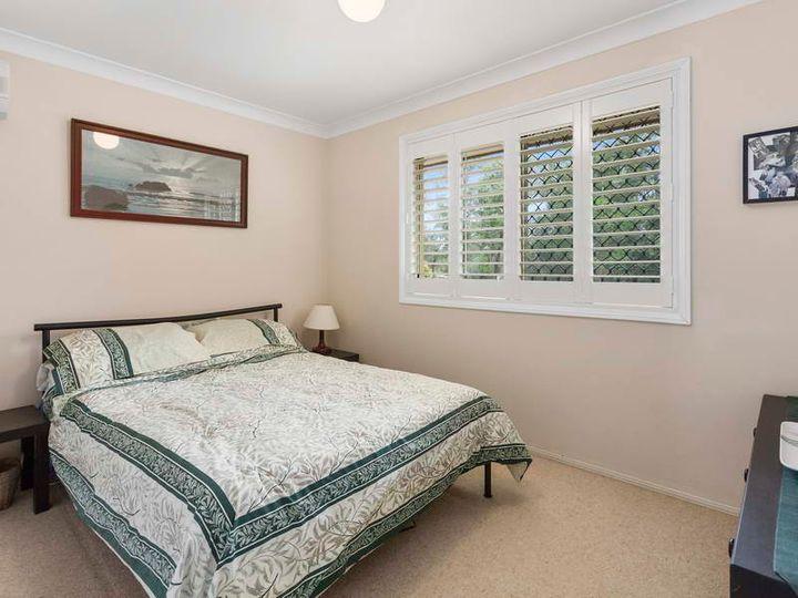 42 Buckingham Court, Mount Hallen, QLD