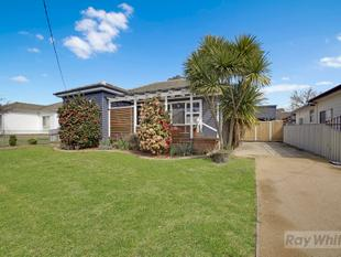 THREE BEDROOM HOME - Goulburn