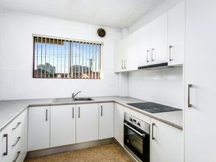 Renovated Unit - Walk to the Beach, Restaurants & Bars! - Wollongong