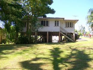 GREAT POSITION ON THE RIVER AND WALKING DISTANCE TO TOWN - East Innisfail