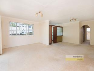 ROOMY TOP LEVEL - Clayfield