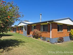 SOLID FAMILY HOME - Atherton