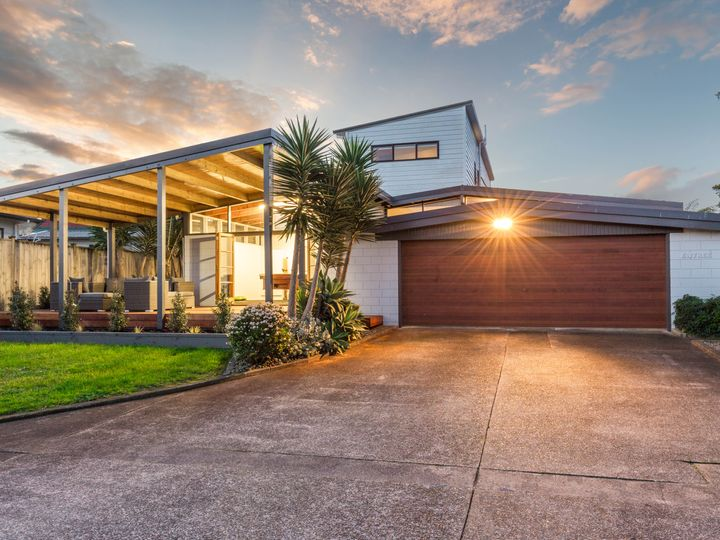 16 Sorrel Crescent, Bucklands Beach, Manukau City