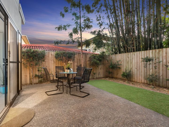 3/24 Windsor Street, Hamilton, QLD