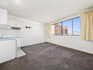 Fully Renovated & Spacious Studio In Superb Inner-City Location - Potts Point