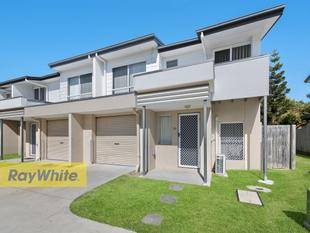 TRENDY TOWNHOUSE! - Deception Bay