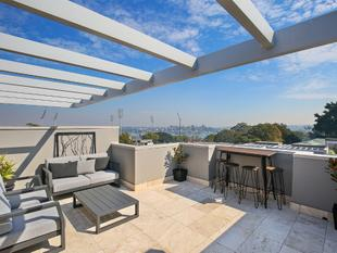 Contemporary Townhouse with Private Rooftop Terrace - Drummoyne
