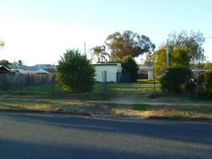 Land granny flat and sheds on this block plus loads of room to build - Condobolin