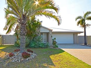 LARGE HOME, SELLING BELOW REPLACEMENT COST - Burrum Heads