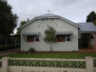 FOR THOSE WHO WANT EVERYTHING NEAR NEW! - Narrogin