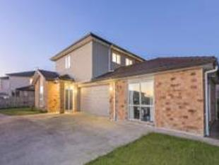 LOVELY FAMILY HOME IN FLAT BUSH - Flat Bush