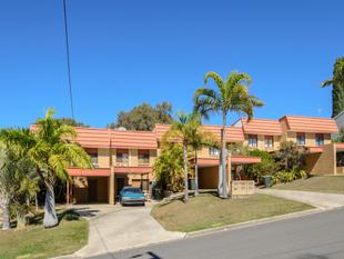 SPACIOUS TOWN HOUSE IN HANDY LOCATION READY TO GO - New Auckland
