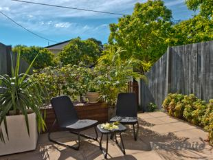 Three Bedroom Townhouse with Two Living Areas & Direct Street Frontage - Yeronga