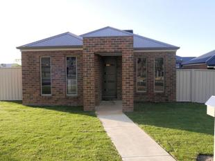 Located close to shopping centre and pool - Wodonga