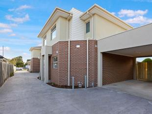 BRAND NEW TOWNHOUSE WITH ALL THE MOD CONS! - Broadmeadows