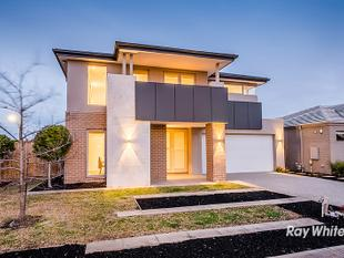 QUALITY & STYLE IN BERWICK WATERS - Clyde North