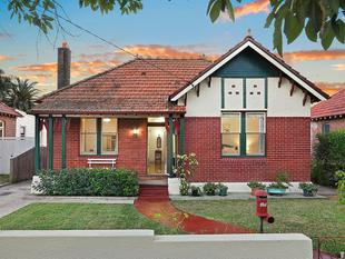 HANDSOME FEDERATION IN A PREMIER LOCALE - Haberfield