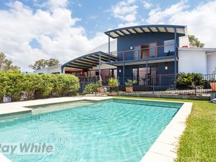 Large family home with pool and pool table! Great for entertaining!! - Redland Bay