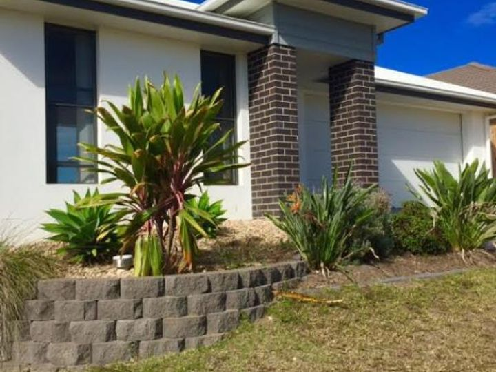 40 Valentine Circuit, Augustine Heights, QLD
