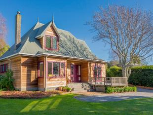 Family Perfect and Delightfully Different - Waikanae