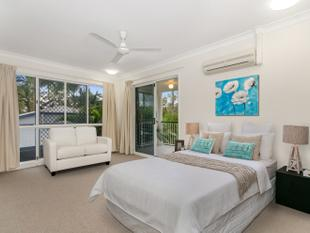 Completely Refreshed Overlooking Townsville Golf Course - Rosslea