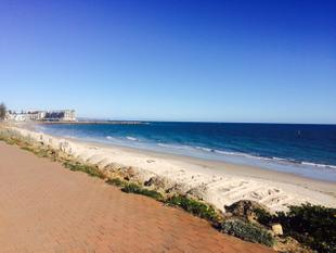 Absolute Beach Front Living - Glenelg North