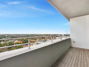 Modern Living in Ultra Convenient Location - St Leonards