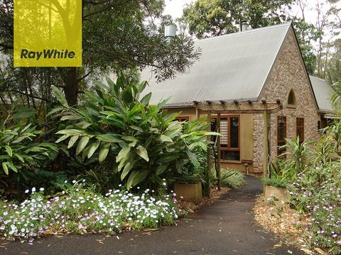Tamborine Mountain, Witches Falls Cottages, 1-5 Hartley Road
