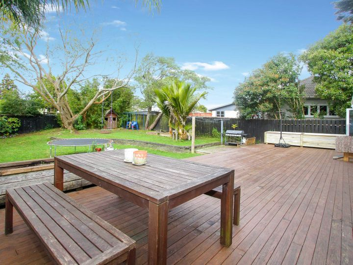 96 Millbrook Road, Sunnyvale, Waitakere City