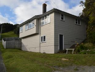 3 Bedrooms on 960m - Come Explore the Options - Titahi Bay