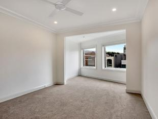 RENOVATED TWO BEDROOM APARTMENT! - Double Bay