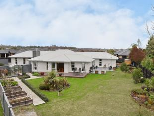 Perfect for Extended Families to Spread Out! - Rolleston