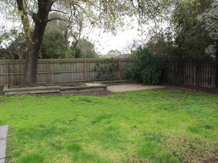 2 Almer Avenue, Blackburn, VIC