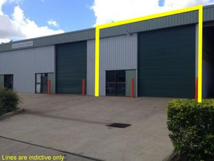 175 Sqm Industrial Unit Facing Moonbi Street In Brendale - Brendale