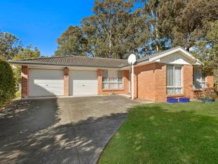 Fantastic Value! Modern four bedroom home with everything. - Berkeley Vale