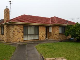 Lovely 3 Bedroom! 5 Minutes to Parkmore & Noble Park - Noble Park