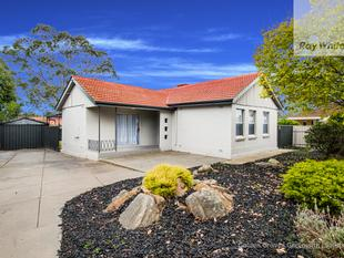 Nicely  Updated Family Home - Elizabeth Downs