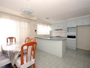 Low Maintenance 3 Bedroom Townhouse! - Chadstone