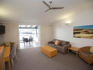 STUDIO FURNISHED APARMENT AT COURAN COVE - ELECTRICITY INCLUDED - South Stradbroke