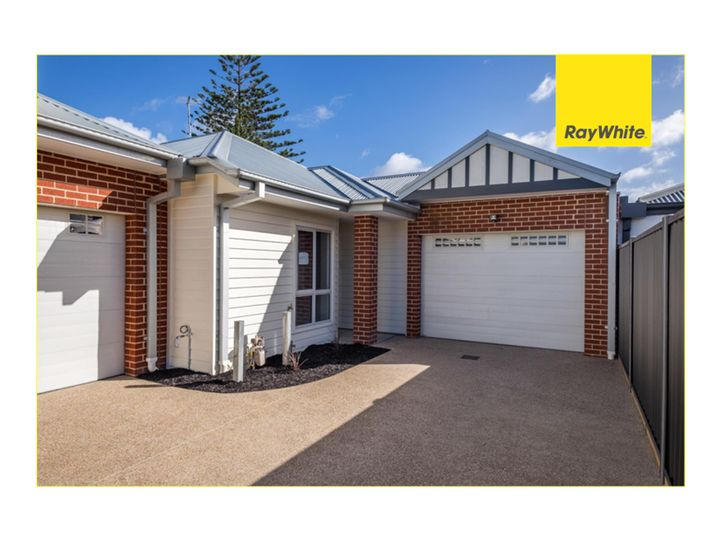 3/8 Corrigan Avenue, Brooklyn, VIC